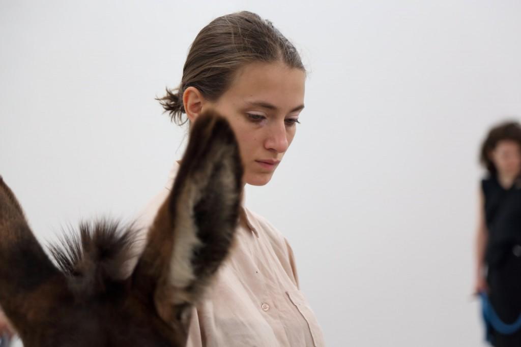 Anne-Imhof_Aqua-Leo-1st-of-at-least-two_3©Nadine-Fraczkowski