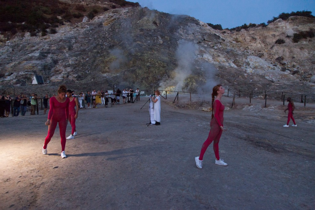 Eddie Peake, To Corpse (Variation 3 with Holly Pester), Volcano Extravaganza 2017 — I Polpi, Photo by Giovanna Silva, Courtesy of the artist, Fiorucci Art Trust and The Vinyl Factory_bb
